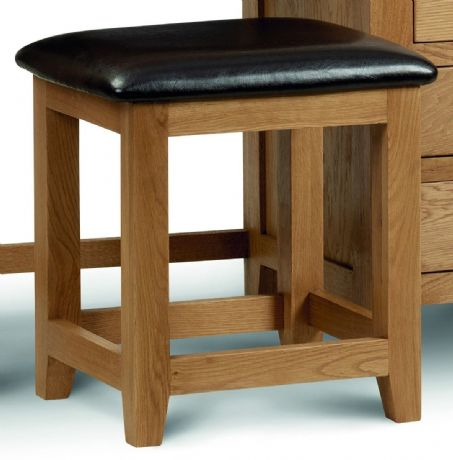 Marlborough Oak 3 Drawer Bedside Chest Table Sale Now On Your Price Furniture